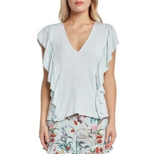 NWT Willow & Clay Ruffle V-Neck Knot Top